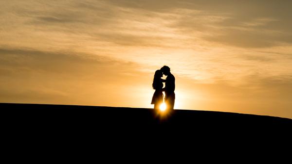 het-in-contact-komen-met-mensen-op-een-datingsite-voor-vijftigplussers